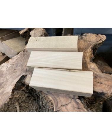 Lindehout blokje om vogel uit te snijden ca. 12x6x4 cm